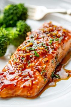 Spicy Honey Glazed Salmon Recipe - Saving Room for Dessert - - Easy and quick, this flavorful salmon is seasoned with a spicy dry sriracha blend then sautéed in a honey-lime garlic infused sauce. Honey Glazed Salmon Recipe, Honey Salmon, Honey Baked Ham, Spicy Salmon, Spicy Honey, Healthy Salmon Recipes, Spicy Recipes, Fish Recipes, Seafood Recipes
