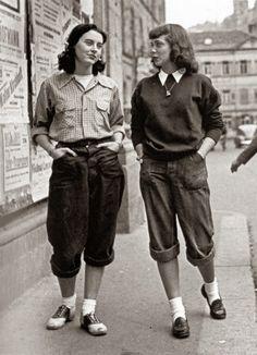 London Girls Wearing Pedal Pushers, late 1950s