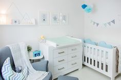 Set up a twin nursery - interior design examples Nursery Twins, Baby Nursery Decor, Curtains Childrens Room, Interior Design Examples, Baby Room Lighting, Trendy Furniture, Baby Room Design, Room Carpet, Room Setup