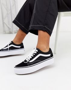 Buy Vans Old Skool black platform trainers at ASOS. With free delivery and return options (Ts&Cs apply), online shopping has never been so easy. Get the latest trends with ASOS now. Vans Old Skool, Old School Vans, Old Skool Black, Platform Vans, Black Platform, Platform Sneakers, Buy Vans, Vans Shop, Vans Sneakers