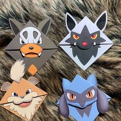 This is a bookmark designed by me, all of my bookmarks are hand cut and hand assembled. Pokemon inspired fan art that is meant to bite onto the corner of a page. Felt Crafts Diy, Vbs Crafts, Paper Crafts, Papercraft Pokemon, Pokemon Craft, Surprise For My Boyfriend, Pokemon Bookmark, Art Club Projects, Mudkip