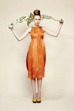 Le Post-it Jaune | CHARLOTTE TAYLOR Spring/Summer 2012
