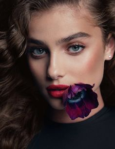 Vogue Spain January 2018 Taylor Hill by Bjorn Iooss