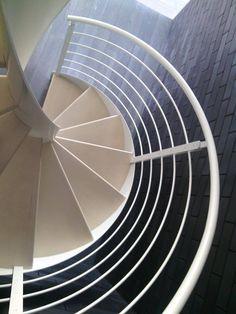 28 Fantastiche Immagini Su Scale A Chiocciola Staircases Stairs E