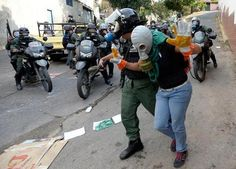 """From """"EN IMÁGENES: Así fue la represión de este #26A en Venezuela"""" story by Maduradas on Storify — http://storify.com/Maduradas/en-imagenes-asi-fue-la-represion-de-este-26a-en-ve"""