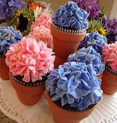Paige Reese Designer Bakeshop: Hydrangea Cupcakes