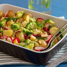 Potetsalat med granateple Kung Pao Chicken, Sprouts, Potato Salad, Potatoes, Baking, Vegetables, Ethnic Recipes, Food, Potato