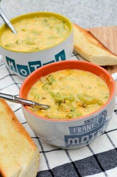 15 Mini Meals You Can Cook In A Mug is part of Broccoli cheddar soup - All you need is a mug and a microwave Soup Recipes, Cooking Recipes, Cooking Bacon, Healthy Cooking, Cooking Videos, Cooking Classes, Easy Cooking, Lunch Recipes, Delicious Recipes