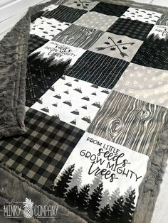 De petites graines pousser des arbres de Mighty couverture Baby Boy Themes, Baby Boy Rooms, Baby Boy Nurseries, Small Blankets, Baby Boy Blankets, Baby Boy Quilts, Crib Bedding For Boys, Grey Quilt, Minky Blanket