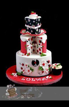 Ladybug Love - Cake by Sweet Treasures (Ann) - CakesDecor Pretty Cakes, Cute Cakes, Beautiful Cakes, Amazing Cakes, Torta Angel, Cake Pops, Ladybug Cakes, Fantasy Cake, Girl Cakes