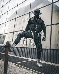 What is important for you, if you buy techwear clothes? … What is important for you, if you buy techwear clothes? Dark Fashion, Emo Fashion, Gothic Fashion, Steampunk Fashion, Cyberpunk Clothes, Cyberpunk Fashion, Cyberpunk Girl, Cyberpunk 2077, Mode Dope