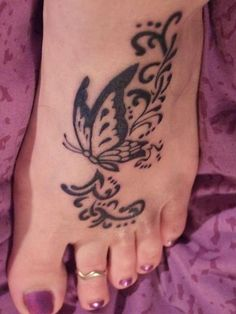35 Sexy Foot Tattoos For Girls
