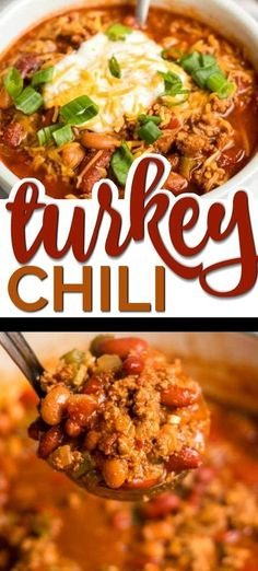 This Healthy Turkey Chili Recipe is a One-Pot Meal Game Changer - and It's Delicious! There's something nostalgic about a big hearty bowl of turkey chili. Growing up, my mom always preferred to cook with Snacks Sains, Clean Eating, Chilli Recipes, Healthy Crockpot Recipes, Healthy Turkey Recipes, Healthy One Pot Meals, Crockpot Ideas, Game Changer, The Best