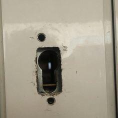 #cerrajeros #valencia, cerrajeros de Valencia, cerrajeros en Valencia. Aperturas las 24H cambios de cerraduras y bombillos