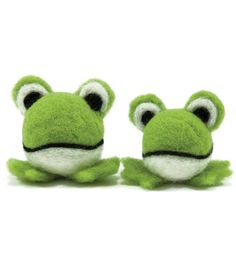 Dimensions Feltworks Ball Learn Needle Felting Kit Frogs