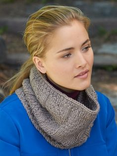 Parallel Lines Cowl #geometric #knitting