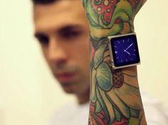 Tatuador implanta ímãs no braço para usar iPod como relógio
