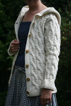 TEjidos - Knitted - Ravelry: The Shepherd hoodie pattern by Kate Davies Cable Knitting, Knitting Sweaters, Hoodie Pattern, How To Purl Knit, Knitting Designs, Knitting Projects, Knit Or Crochet, Knit Cardigan, Knitwear