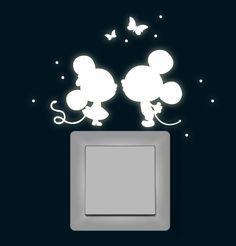 Wandtattoo Lichtschalter Leuchtsticker Maus Mäuse mit Schmetterlinge und Punkten fluoreszierend (nachtleuchtend) Wandsticker Wandaufkleber M1368