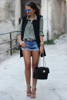 15 simple, stylish and fancy outfit ideas including summer hit shorts. Diva Fashion, Fashion Outfits, Womens Fashion, Fashion Glamour, All About Fashion, Passion For Fashion, Simple Outfits, Cute Outfits, Outfits Mujer