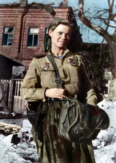 Combat medic, marine infantry, 1943 Mar History of Russia, Ordinary people, World War 2 Ww2 Women, Military Women, Military Art, Military History, Women In Combat, Combat Medic, Ww2 History, Soviet Army, Germany