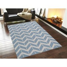 The Blue Handwoven Woollen Durrie Rug is a beautiful modern floor rug. Low maintenance, durable and contemporary, this rug will make a stunning feature in your home. Chevron Floor, Chevron Rugs, Chevron Patterns, Royal Pattern, Crochet Carpet, Rugs Online, Floor Rugs, Kilim Rugs, Contemporary