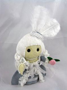 Marie Antoinette deridoll