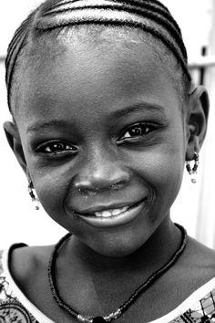 Girl in Bandiagara. Dogon country, Mali (by Zalacain)