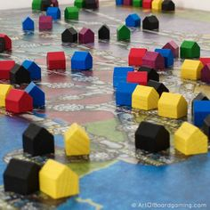 Power up our cities! Collect your elektro! Win the game! #PowerGrid by artofboardgaming