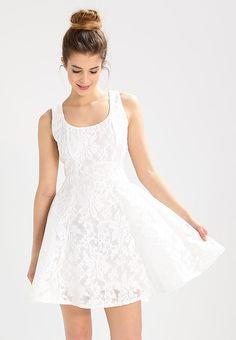 bestil  Glamorous Petite Sommerkjoler - white til kr 499,00 (29-03-17). Køb hos Zalando og få gratis levering.