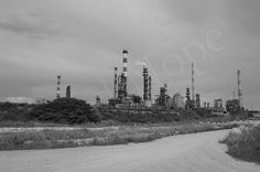 Raffinerie Ineos, Lavéra, by d.nope, via Flickr