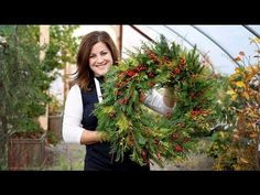 How to Make A Winter Wreath [Step-by-Step Instructions] - Garden Lovers Club