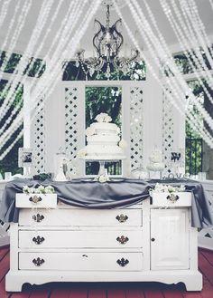 Photo: Gina & Ryan Photography; Wedding reception idea