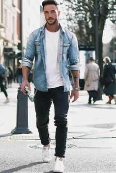 Fashion for man -Casual look / washed blue shirt + white tee-shirt + dark jeans (model: Daniel Fox)