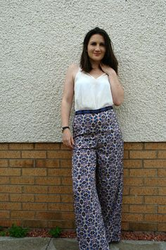 Topshop Patterned Wide Leg Trousers OOTD. Perfect summer outfit, lightweight trousers keep you cool while covering your legs.