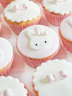 Bunny cupcakes maybe with a carrot cake Bunny Cupcakes, Easter Cupcakes, Cute Cupcakes, Baby Shower Cupcakes, Bolo Miffy, Miffy Cake, Baby Cakes, Mini Cakes, Cupcake Cakes