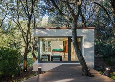 http://www.dezeen.com/2016/04/19/casa-nel-bosco-officina29-architetti-garden-living-room-family-house-sardinia-italy/