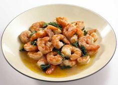 Easy Meals for One Shrimp Scamps! 24 large frozen shrimp (peeled and deveined) C spinach leaves, chopped 1 tsp olive oil 1 clove garlic, crushed tsp dried basil 1 or 2 splashes of hot sauce Fish Recipes, Seafood Recipes, Cooking Recipes, Healthy Recipes, Healthy Meals, Yummy Recipes, Easy Meals For One, Food Porn, Seafood Dishes