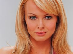Izabella Scorupco (born Izabela Dorota Skorupko, June 4, 1970) is a Polish-Swedish actress and model, best known for her portrayal of Bond girl Natalya Simonova in the 1995 James Bond film GoldenEye.