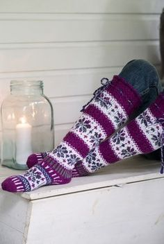 Showy floral fair isle socks are worked in Novita 7 Veljestä Brothers) and 7 Veljestä Raita Brothers Stripe) yarns. Choose your favorite colors, these socks would make a marvelous gift! Knitted Boot Cuffs, Knit Boots, Knitted Slippers, Wool Socks, Crochet Socks, Knitting Socks, Hand Knitting, Knit Crochet, Knitting Patterns