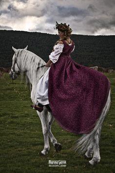 Photo/Edition: Marina Garon Photography+Design. Model: Azahara Santos Ruiz. MakeUp & Hair: Grupo BCM bodasconmimo.com. Medieval Clothing: Paloma Botto. Jewelry: Swarovski Segovia. Styling: Gema Garrido Bartolome. Location & Horses: Yeguada RG Rafa Garrido Bartolome.