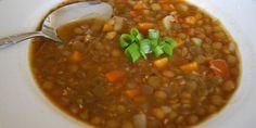 Šošovicová polievka s párkom | recepty varenie Chana Masala, Beans, Vegetables, Ethnic Recipes, Food, Veggies, Essen, Veggie Food, Vegetable Recipes