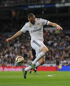 Karim Benzema of Real Madrid in action during the La Liga match between Real Madrid CF and Levante UD at Estadio Santiago Bernabeu on March 15, 2015 in Madrid, Spain.