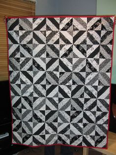 Classic Garden Trellis by Pam and Nicky Lintott from their Jelly Roll Quilts book.
