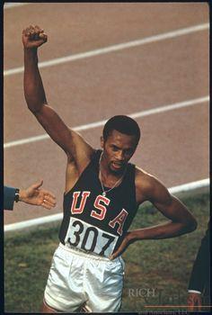 Tommie Smith - Athletics - Mexico City Olympics 1968 - Mens 200m