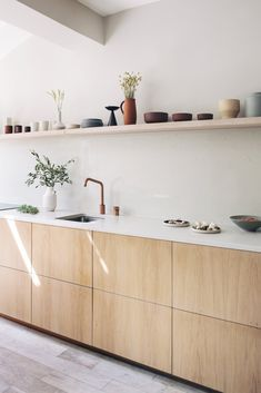 Plywood doors and worktops to fit Ikea cabinets, kitchens and wardrobes. We offer bespoke kitchens at a fraction of the cost with beautiful birch plywood, native hardwood, brass and painted options. Birch Cabinets, Ikea Cabinets, Wood Kitchen Cabinets, Plywood Kitchen, Oak Plywood, Wooden Kitchen, Home Interior, Kitchen Interior, Plywood Interior