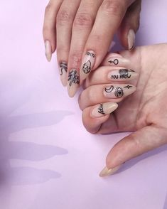 Monochrome nail tattoos from Simple, Illusion & Flores sets nail trends 20182019 - nails Light Pink Nail Designs, Light Pink Nails, Nail Art Designs, Nails Design, Trendy Nails, Cute Nails, My Nails, Fall Nails, Nagel Tattoo