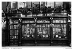 Black and White Picture/Photo: Pub The Shipwrights Arms