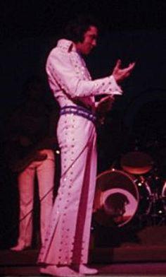 27th July, 1971: Elvis performs 2 shows at the Sahara Hotel, Lake Tahoe, Nevada.
