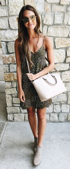#summer #outfits Got This Adorable Dress For $32 On Anniversary Sale 🙌🏻 Perfect For Hot Summer Days But Also Looks Adorable Under A Long Cardigan For Fall! 💗 And Told Y'all This Is My New Favorite Bag Ever 😍